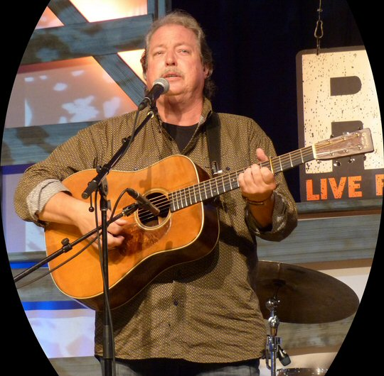 Tommy Emmanuel: Magical at Music City Roots