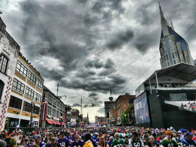 MusicCityNashville net: The NFL Draft Gets Rolling with Moon
