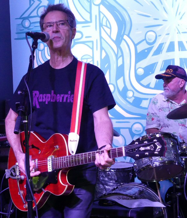 Garry Tallent - Rock and Roll Hall of Famer Puts His Talents on Display at Grimey's in Nashville