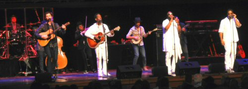 Boyz II Men Show Musical Growth in Nashville
